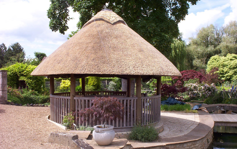 thatched-roof-garden