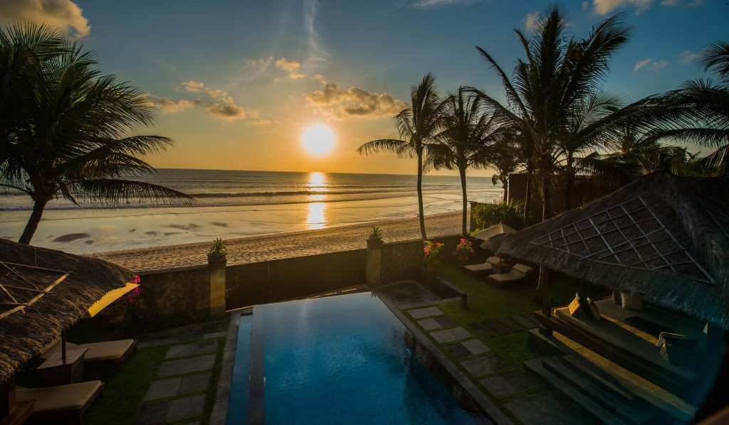 LEG-Rooms-The Beach House-Pool-Sunset_v-1